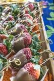 Erdbeeren mit Schokolade stockbild