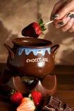 Erdbeeren mit Schokolade lizenzfreies stockfoto