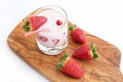 Erdbeeren und Cocktail Lizenzfreie Stockfotografie