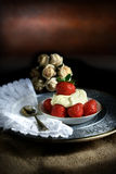 Erdbeeren und Creme II Stockfoto