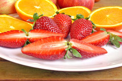 Erdbeeren und Orangen stockfoto