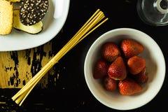 Erdbeeren und Plätzchen Stockbild