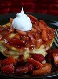 Erdbeerepfannkuchen Lizenzfreie Stockfotos