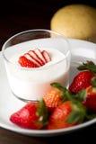 Erdbeerjoghurt Stockfotografie