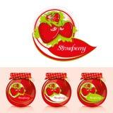 Erdbeermarmeladenaufkleber mit Glas Stockfotografie