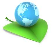 Erde auf Blatt Lizenzfreie Stockfotos