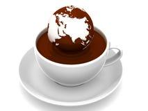 Erde auf Tasse Kaffee Stockbilder