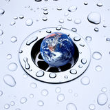 Erde hinunter den Ablaß Lizenzfreies Stockbild