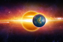 Erde ähnlicher Planet im Weltraum Stockbild
