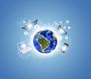 Erde mit Elektronik, Diagrammen und Netz Stockfotos
