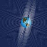 Erde strahlt globalen Comm aus Stockfoto