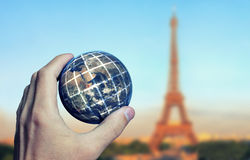 Erdhand Paris Lizenzfreies Stockfoto