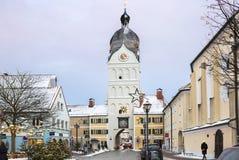 Erding, Allemagne, la belle tour Schöner Turm L'hiver images stock