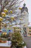 Erding Tyskland, det härliga tornet Schöner Turm Vinter arkivfoton
