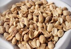 Erdnüsse in der Schüssel Stockfotografie