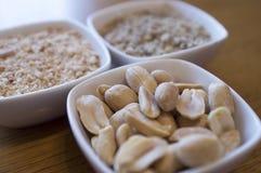 Erdnüsse in der Schale Stockfotos