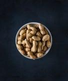 Erdnüsse in kurzen Worten Stockfotos