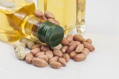 Erdnüsse und Öl Lizenzfreies Stockbild