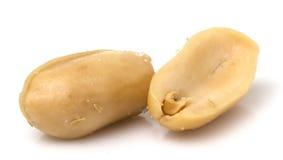 Erdnuss gesalzt auf weißem Hintergrund Lizenzfreie Stockfotos