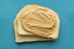 Erdnussbutter auf Toast Stockfoto