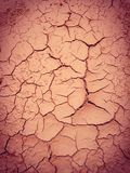 Erdoberfläche knackte wegen Sun-Glanzes lizenzfreies stockfoto