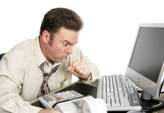 Erdrosseln oder Husten bei der Arbeit stockbild