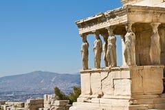 Erechtheion的女象柱门廊图在帕台农神庙在上城小山,雅典,希腊 免版税库存照片