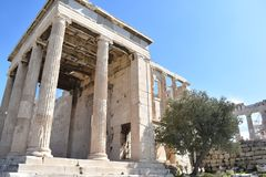 Erechtheion in Acropole stock afbeelding
