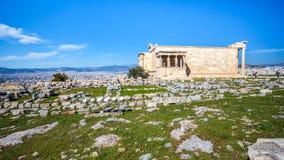 Erechtheion y templo del Athene en la colina de la acrópolis en Grecia fotos de archivo libres de regalías