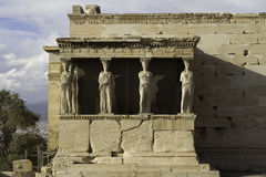 erechtheum greece för acropolisathens caryatids Fotografering för Bildbyråer