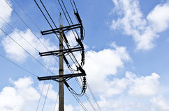 Erectric电缆专栏 免版税库存照片