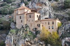 Eremitboning av San Saturio, Soria (Spanien) arkivbilder