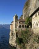 Eremitboningen av Santa Caterina del Sasso, Royaltyfria Bilder