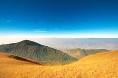 Ereto esvazie sobre um Mountain View Fotografia de Stock