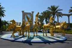 Erfarenheten för heligt land, grupp av guld- hästar royaltyfri foto