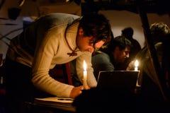 Erfassung im Tribut zu den Opfern des Paris-Terrorist attac Stockfotos