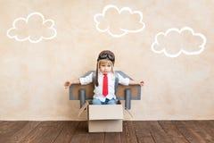 Erfolg, Fantasie und Innovationstechnologiekonzept lizenzfreie stockbilder
