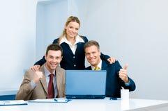 Erfolgreiche Geschäftsteamfeier Stockfotos