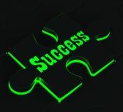 Erfolgs-Puzzlespiel, das erfolgreiche Ausführungen zeigt stock abbildung