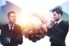 Erfolgs- und Teamwork-Konzept stockbilder