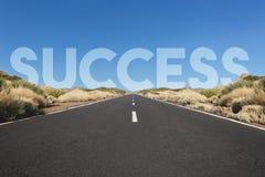Erfolgskonzept, Straße zum Erfolg stockbild