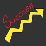 Erfolgstext mit Wachstumspfeil auf schwarzem Hintergrund Stockfotos
