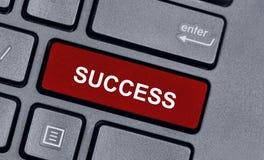 Erfolgswort auf Tastatur Stockbild