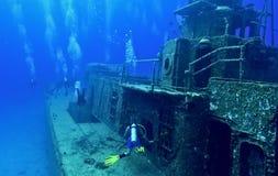 Erforschung eines Schiffswracks Stockbilder