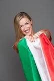 Erfreuter italienischer Anhänger mit der Staatsflagge Lizenzfreie Stockbilder