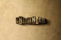 ERHÖHT - Nahaufnahme der grungy Weinlese setzte Wort auf Metallhintergrund Stockfotografie
