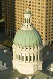 Erhöhte Ansicht der Haube des Heiligen Louis Historical Old Courthouse, der Bundesartarchitektur im Jahre 1826 errichtet und des  Stockfoto