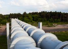 Erhöhter Abschnitt der Rohrleitungen Lizenzfreies Stockfoto