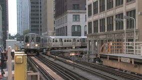 Erhöhter Zug in Chicago stock footage