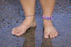 Erhalten Sie Ihre Füße naß Stockfoto